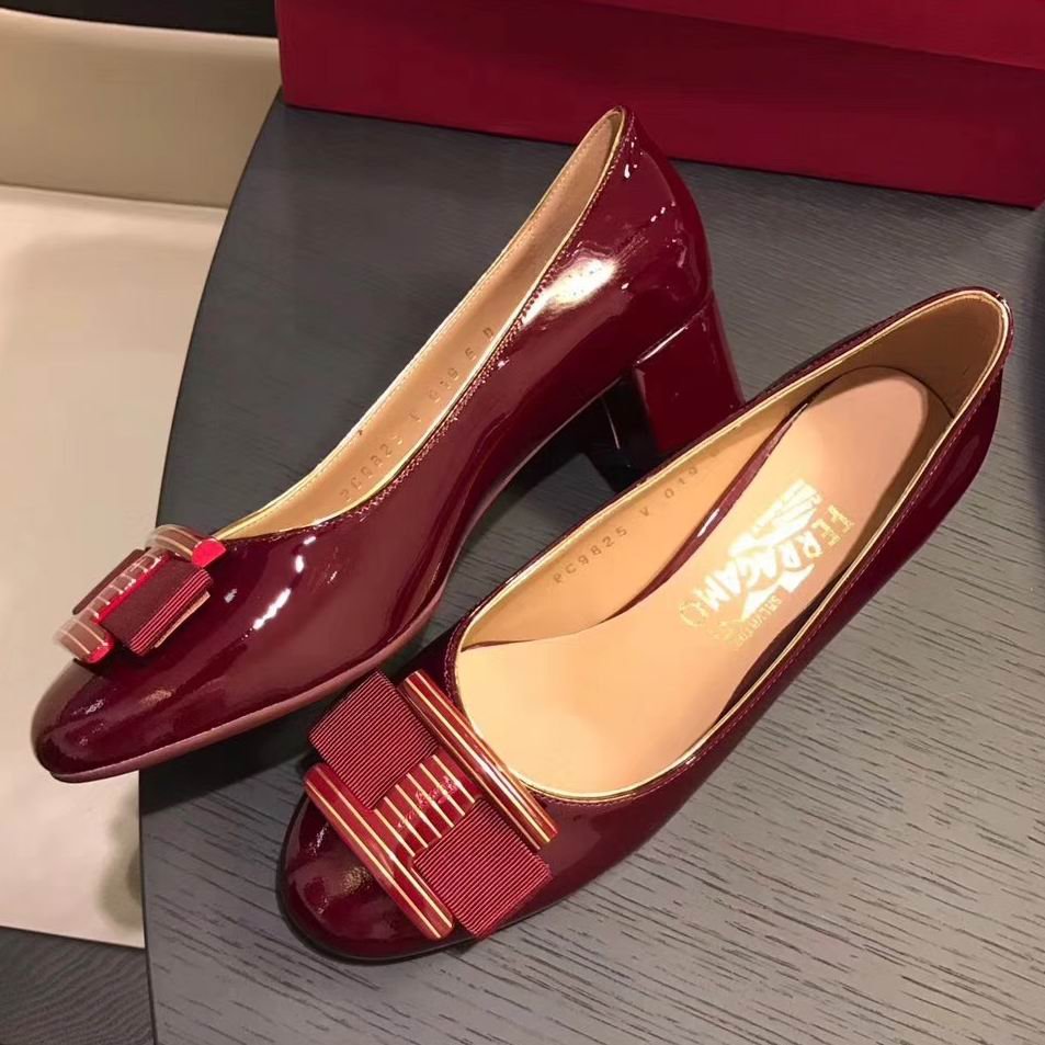 Ferragamo Ninna Ornament Patent Pump Navy Wine