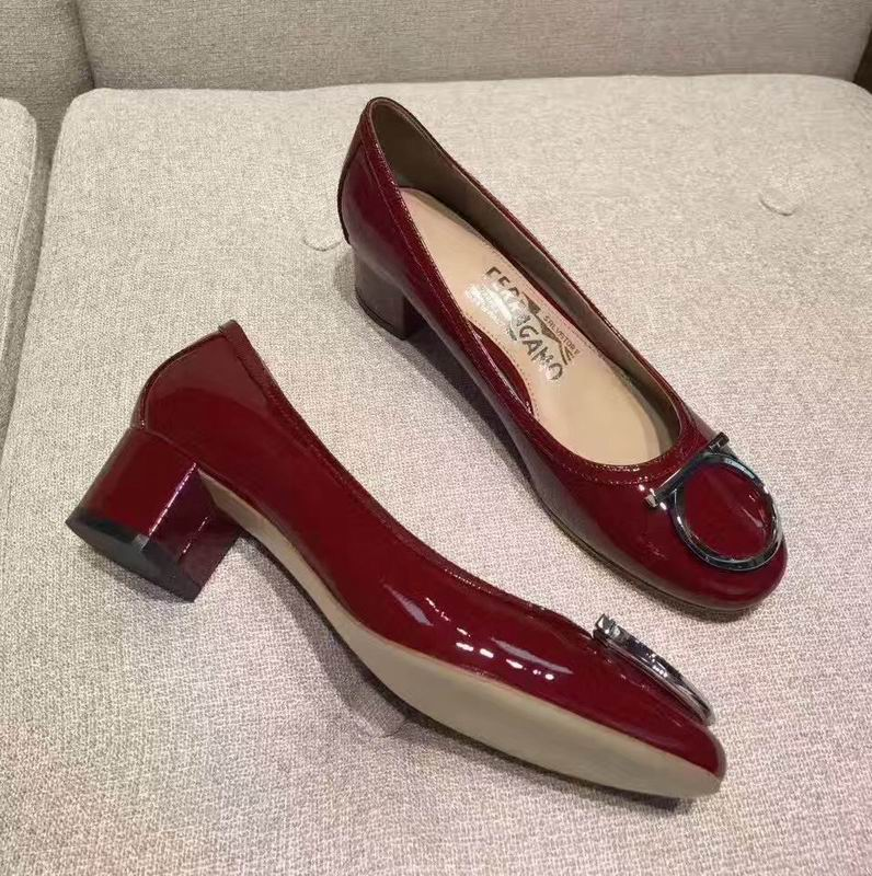 Ferragamo Gancio Ornament Pump in Patent Wine