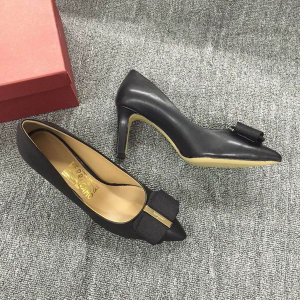 Ferragamo Mimi Leather Pumps Black