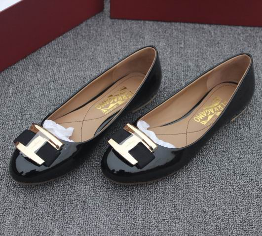Ferragamo Ninna Leather Ballerina Flats Black