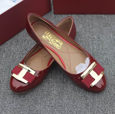 Ferragamo Ninna Leather Ballerina Flats Wine