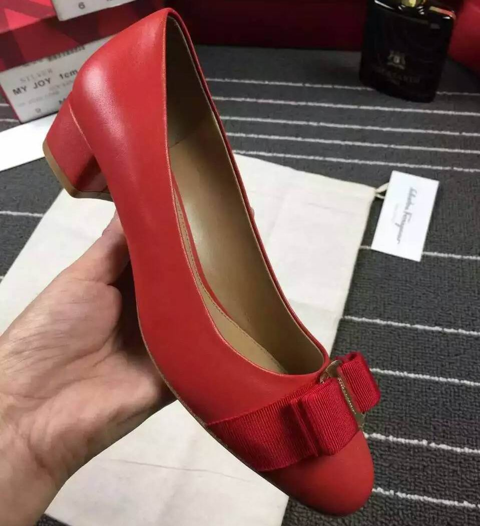 Ferragamo Vara Pump in Nappa Red