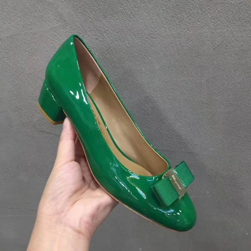 Ferragamo Vara Pump in patent Green